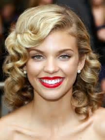 pin curl hairstyle   Fashion Celebrity