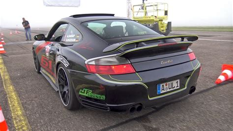 hp porsche  turbo   performance revs drag