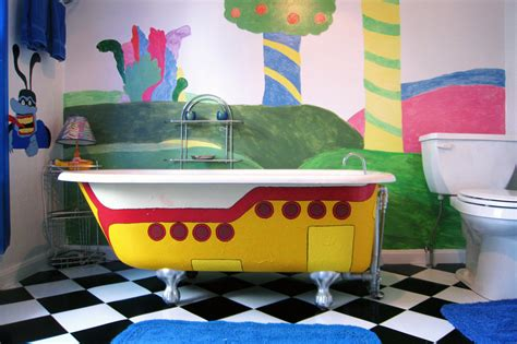 bathtub tub yellow submarine tub
