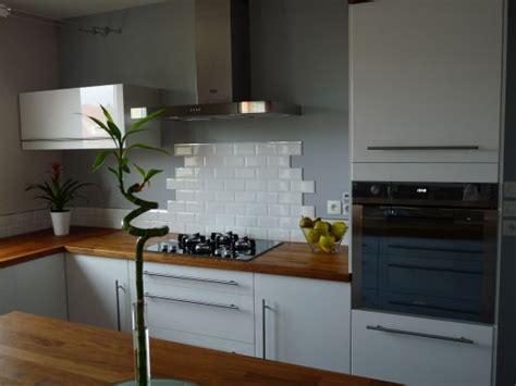 credence cuisine carrelage metro carrelage pour cuisine blanche cuisine sans crdence carrelage brique cuisine relooker murs