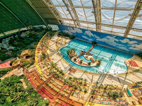 world s largest indoor water park business insider