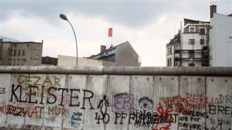 9 Est In Deutschland by 199 A S Est Pass 233 Un 13 Ao 251 T 1961 Le Mur De Berlin Est
