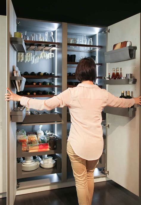 Armadio Dispensa Per Cucina by An Organized Kitchen Snaidero Usa