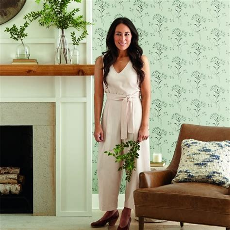 joanna gaines wildflower wallpaper  york lelands wallpaper