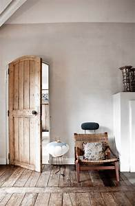 Rustic And Shabby Chic House With Lots Of Wood In Decor
