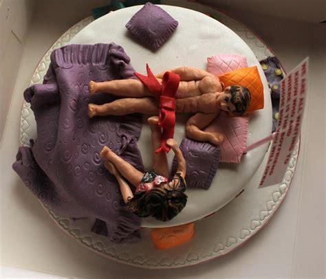 pix  raveena licked cake  anu ranjans face