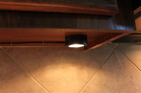 best way to install under cabinet lighting easy lighting under cabinets home ideas 2016
