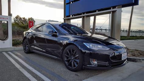 Tesla Quietly Releases Redesigned Model S Handle Mechanism