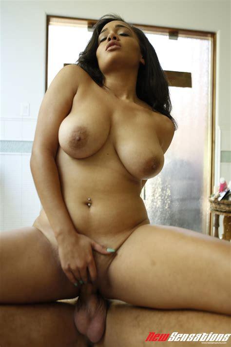 Big Tits Girl Julie Kay Fucking In I Love My Sisters Big