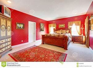 Awesome Chambre A Coucher Rouge Et Beige 2 Photos Antoniogarcia Info ...
