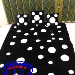 Karpet Karakter Polkadot jual karpet karakter exclusive bahan rasfur boneka bisa