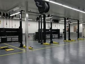 Recherche Garage : garage avec lift recherche google garage pinterest google shop ideas and garage shop ~ Gottalentnigeria.com Avis de Voitures