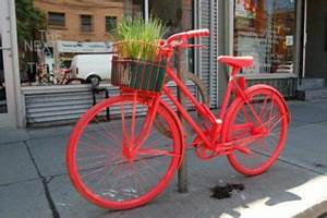 Dundas West neon bike the latest casualty in Ford's war on