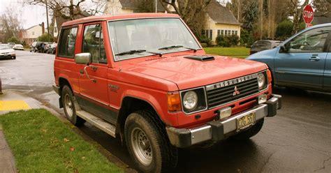 Old Parked Cars.: 1986 Mitsubishi Montero Diesel