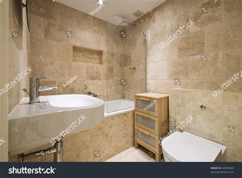 Luxus Badezimmer Fliesen by Modern Luxury Bathroom Beige Marble Stock Photo