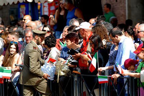 lade speciali nicola de marinis fotografie parata due giugno a roma