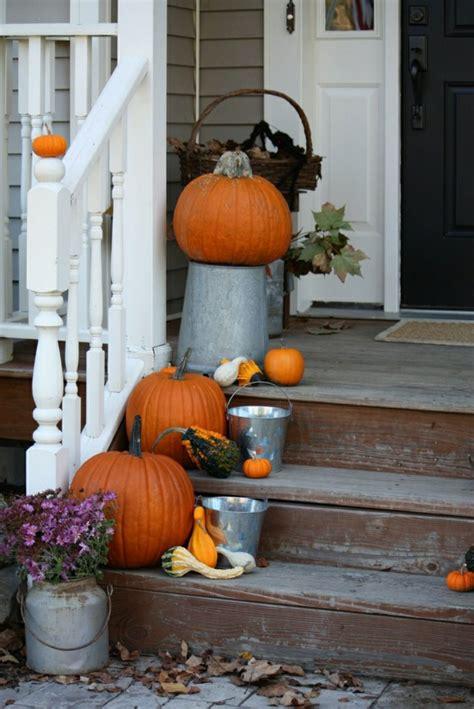 25 Ideen Wie Sie Eine Tolle Herbstdeko Fuer Draussen Selber Machen Koennen by Herbstdeko F 252 R Den Hauseingang 25 Eindrucksvolle Bastelideen