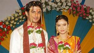 Sushant Singh Rajput Wife Ankita Wedding Pictures In Real ...