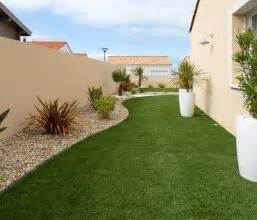 les 25 meilleures idees de la categorie entretien gazon With amenagement jardin sans pelouse 14 poser du gazon synthetique