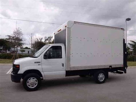 ford  econoline commercial cutaway ft box truck