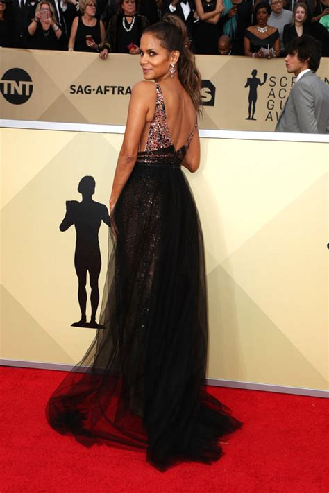 sag awards  halle berry remembered shes  star