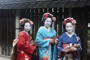 Moderne Japanische Kleidung : japanische kleidung der kimono ~ Orissabook.com Haus und Dekorationen