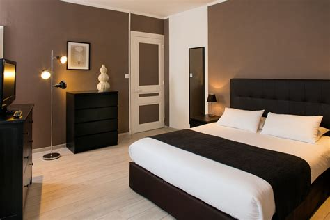 chambre hotel al heure chambres climatis 233 es 224 l hotel les pierres dor 233 es proche lyon