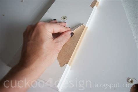 Laminate Cupboards Peeling by Best 25 Painting Laminate Cabinets Ideas On