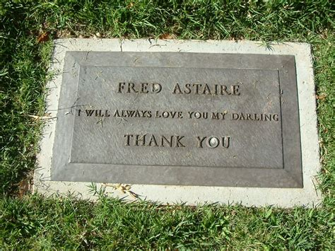 perry como burial site fred astaire gravesite famous star s graves tombstones