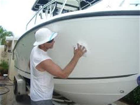 How To Polish A Fiberglass Boat Hull by Boat Waxes And Polishes For Making Your Gelcoat Shine