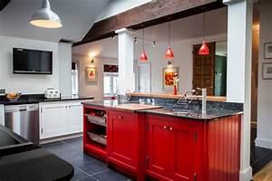 meuble de cuisine en bois rouge idees de decoration With meuble de cuisine en bois rouge