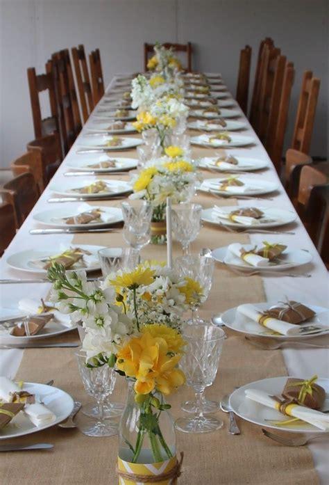 communion en jaune  blanc decoration pour garcon deco