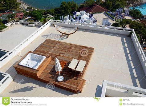 amaca da terrazzo amaca sul terrazzo dell attico fotografia stock immagine