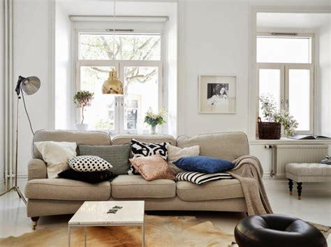 Möbel Skandinavischer Stil by Sofa Nordischer Stil Cheap Weies Sofa Mit Ros Kissen With