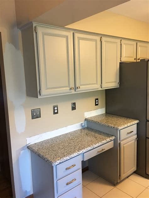 ideas on wall paint color to go with coventry gray cabinets
