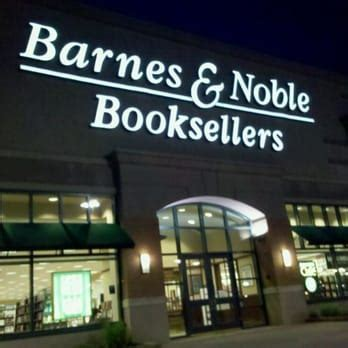 barnes and noble contact barnes noble booksellers 11 reviews book shops