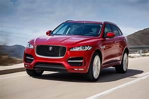 4 4 Jaguar : jaguar f pace 2 0d r sport 2016 review by car magazine ~ Medecine-chirurgie-esthetiques.com Avis de Voitures