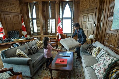 bureau du premier ministre justin trudeau made a fort in his office with