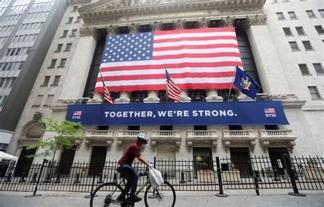 Các chỉ số chứng khoán của mỹ vừa tăng lên mức cao kỷ lục khác, trong bối cảnh các nhà đầu tư đang chờ đợi báo cáo việc làm để đánh giá tốc độ phục hồi của thị trường lao động. Nguy cơ căng thẳng Mỹ-Trung Quốc lan sang lĩnh vực chứng ...
