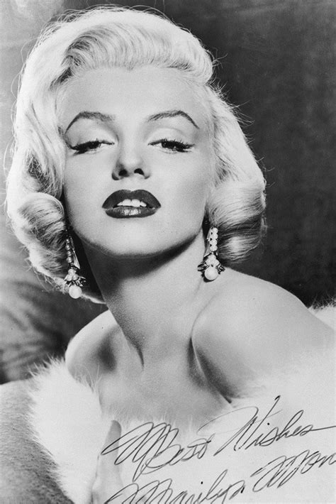 Marilyn Monroe Signature Black and White Poster – My Hot