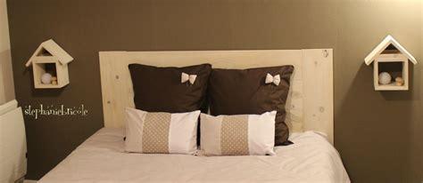 lambris pour chambre une tête de lit en bois très facile à faire stéphanie
