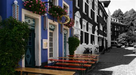 Das Blaue Haus  Akademische Bieranstalt Und Restaurant
