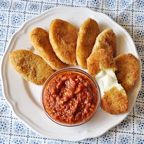 Heated through and cheese melted. Breaded Mozzarella Patties : Air Fried Mozzarella Sticks The Leaf Nutrisystem Blog : With just a ...