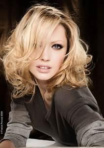 Coupe Cheveux Longs Femme : coupe de cheveux degrade mi long ~ Dallasstarsshop.com Idées de Décoration