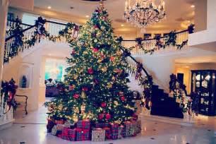 christmas tree on tumblr image 2382529 by maria d on favim com