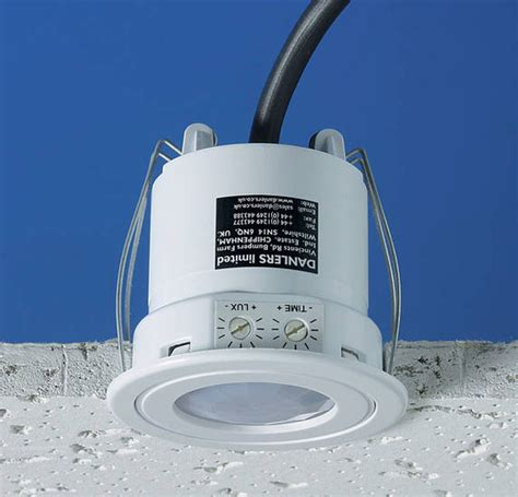 ceflpirs splashproof flush mounted pir occupancy switch