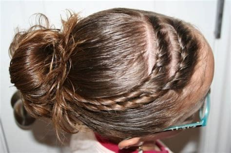 Twisted half up is one of the best cute hairstyles for easter in 2021 that will give you a stylish look. Easter Hairstyles: Take your pick…   Cute Girls Hairstyles