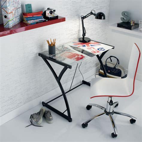 bureau ado conforama chambre d 39 ado coussin tapis et le style pour