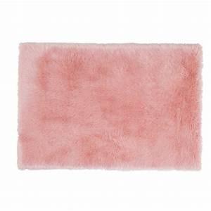 tapis fausse fourrure rose 120 x 180 cm blush maisons du With tapis en fourrure