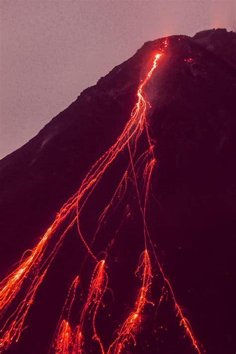 volcano lava l spencers volcano volcanoes volcanoes lava and eclairs